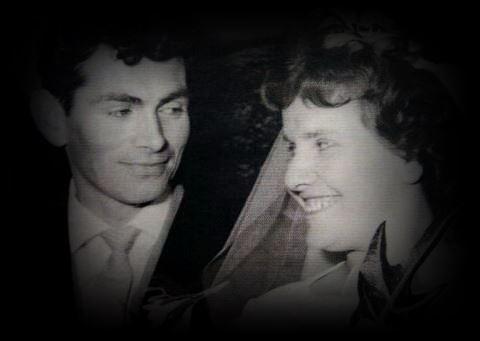 """Het is altijd een van de mooiste dagen van je leven, je trouwdag, ook zo bij """"ditte Himmels meiske"""" 'n engeltje, Mia van Schaijk (42). - tral0897"""